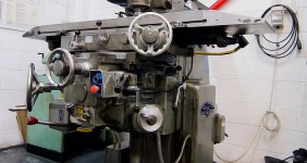 Dufour Swivel Head Milling Machine